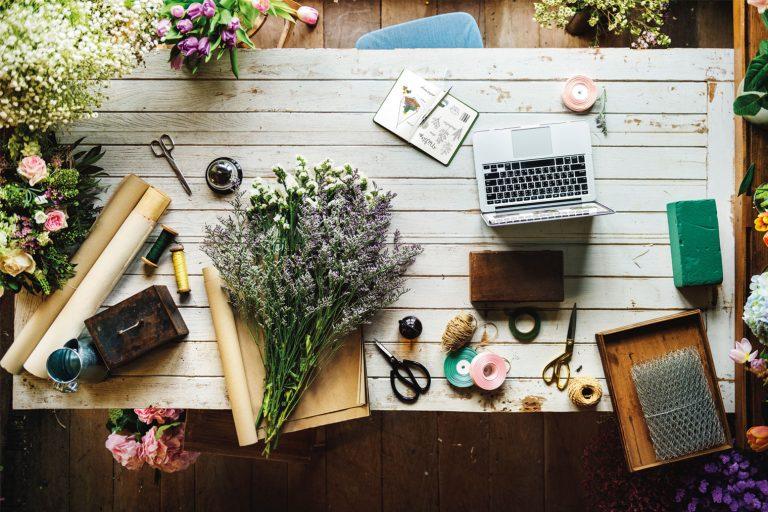 Arbeidsbenk for blomsterdekoratør
